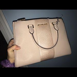 0a23338cd13791 Women's Macy Michael Kors Handbags on Poshmark
